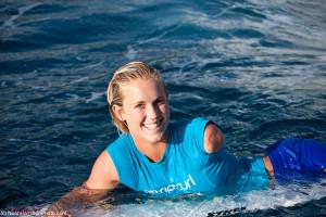 2010 Tahiti paddle smile (C)Noah