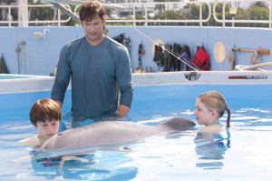 Nathan Gamble, Harry Connick Jr, Winter and Cozi Zuehlsdorff in ...