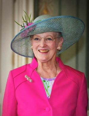 Queen Margrethe II of Denmark at yellow teethDasnish Royalty, Hats ...