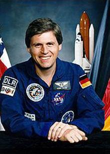 ulrich walter german astronaut prof dr dr h c ulrich hans walter is a ...