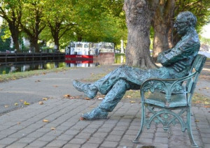 Statue of the Famous Irish poet Patrick Kavanagh, http ...