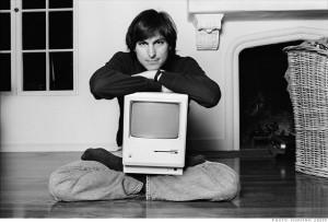 Джобс представил компьютер Macintosh с ...