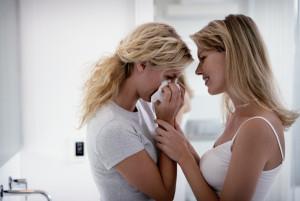 54ec064949e43_-_woman-friends-grieving-consoling-xl.jpg