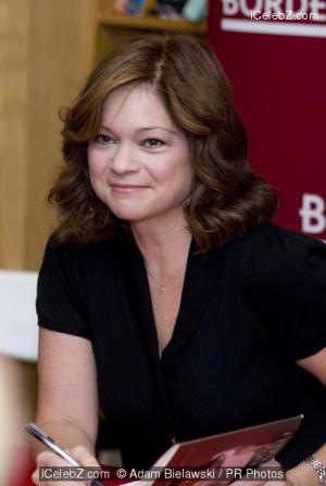 Valerie Bertinelli Signs Copies of