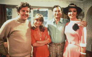 Richard Briers (left) as Tom Good in The Good Life with Felicity ...