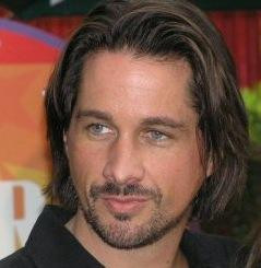 Michael Easton is remaining on One Life to Live, despite rumors to the ...