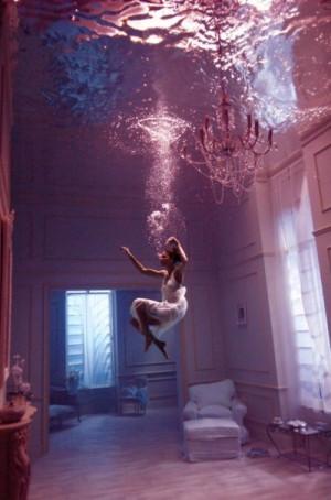 带泪的鱼,原名戴丽丽,著名歌曲,《冷冷再见》等