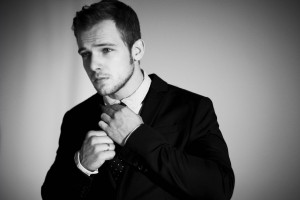 Max Thieriot)