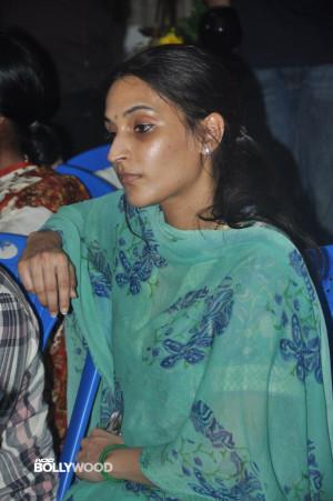 Celebs Pay Last Respects to Manjula Vijayakumar Manjula Vijayakumar