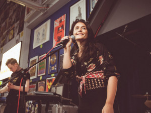 Jessie Ware Gushes Over Her