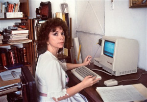 Allende at her home in Caracas in 1985