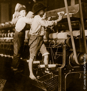 Textile factory workers, USA, early 1900s