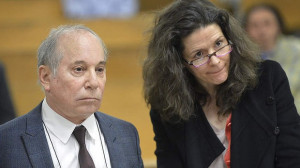Singer Paul Simon and his wife Edie Brickell appear at a hearing in ...