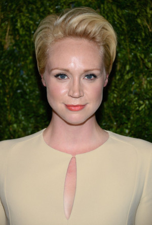 Gwendoline Christie Hairstyle, Makeup, Dresses, Shoes and Perfume