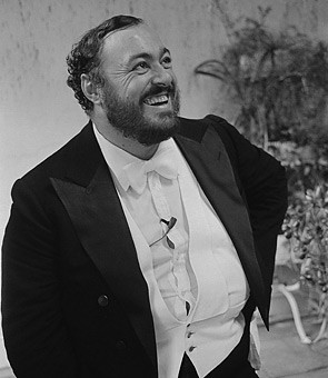 Luciano Pavarotti Dies at 71