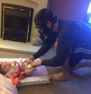 dad-baby-change-diaper