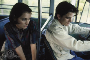 Still of Winona Ryder and Michael Schoeffling in Mermaids (1990)