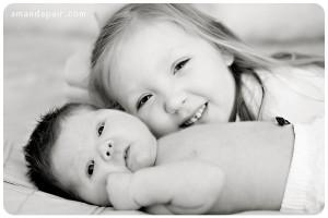 big-sister-little-sister-photography.jpg