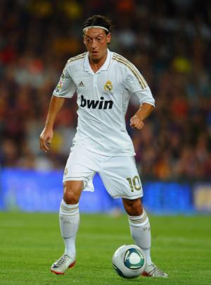 Mesut Ozil Barcelona Real...