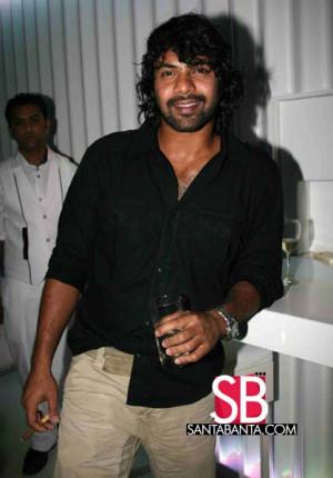 Rohit Roy party pics!! Ronit & Shabbir