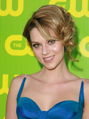 Hilarie Burton Biography