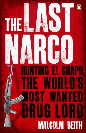 haciendo promoción de su último libro titulado El último narco ...