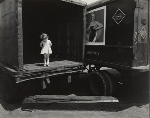 12 Great Photographs By Harry Callahan