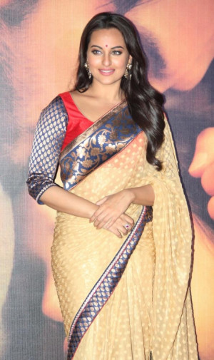 sonakshi sinha stylish saree blouse by manish malhotra