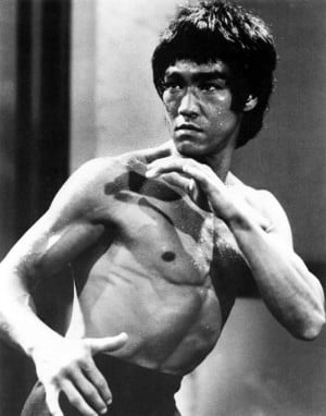 ... how amazing of an athlete Bruce Lee was!!! Turn the volume way up