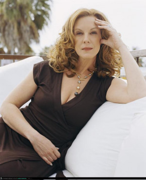 Elizabeth Perkins Dyes For
