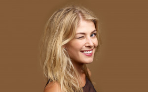 Rosamund Pike Wallpaper (5)