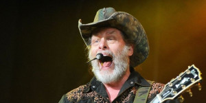 Ted Nugent Apologizes For Calling Obama A 'Subhuman Mongrel'--NOTE TO ...
