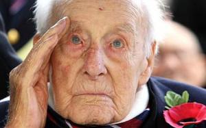 Henry Allingham World 39 s oldest man Henry Allingham dies