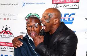 Photos: De La Hoya, Tyson Embrace - and Three Sugars