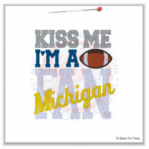 4919 Sayings : Kiss Me Michigan Fan 5x7