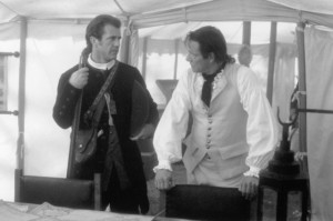 Still of Mel Gibson and Chris Cooper in The Patriot (2000)