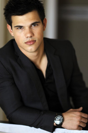 Taylor Lautner: From Cute Child Actor to 'Abduction' Hollywood Hunk ...