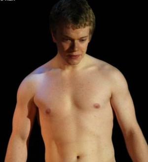 Picture Alfie Owen Allen