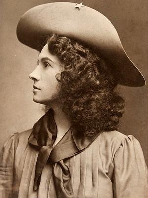 Oakley Annie Phoebe...