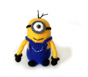 Crocheting One Eyed Minion