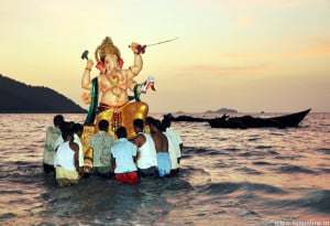 Lord Ganesh Idol Immersion Wallpaper
