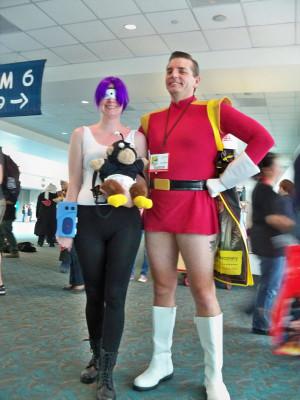 Leela and Zapp Brannigan cosplay