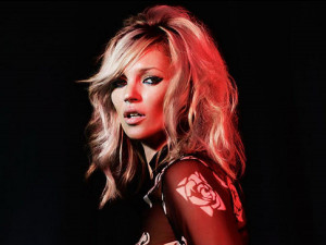 Skinny supermodel Kate Moss hasn't won any new friends with her latest ...