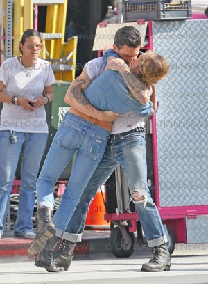 Misery Maroon 5 Quotes. QuotesGram Adam Levine And Anne Vyalitsyna Misery
