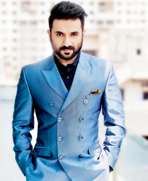 Vir Das gets suited and booted for his next film