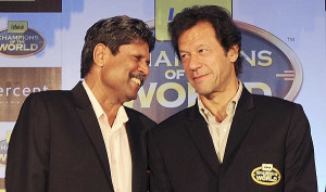 Kapil Dev and Imran Khan have a word at a promotional event in Mumbai