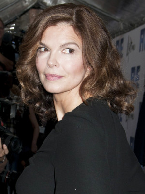 Jeanne Tripplehorn Biography, Jeanne Tripplehorn's Famous Quotes ...
