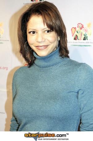 Gloria Reuben Pregnant
