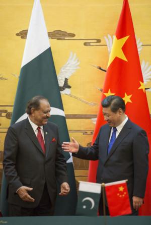 Xi Jinping Pakistan President Mamnoon Hussain L attends a signing