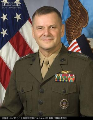 美国海军陆战队上将(General)James E. Cartwright